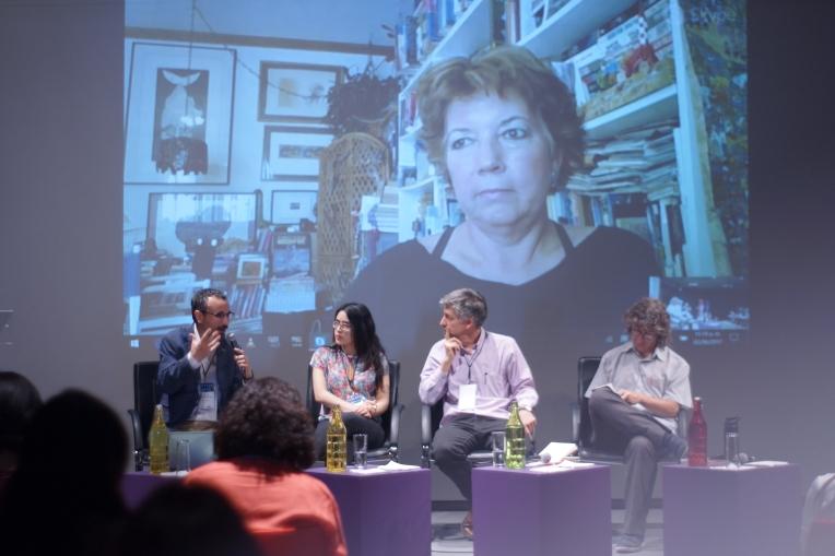 De izquierda a derecha: Michele Catanzaro, Renata Sánchez, Manuel Lino y Javier Cruz. Atrás: Ángela Posada Swafford